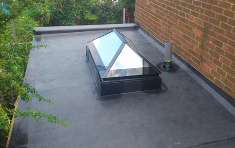 Fibre-glass flat roofing systems